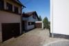 Reiheneckhaus mit aussergewöhnlichem Blick - Zufahrt und Eingang